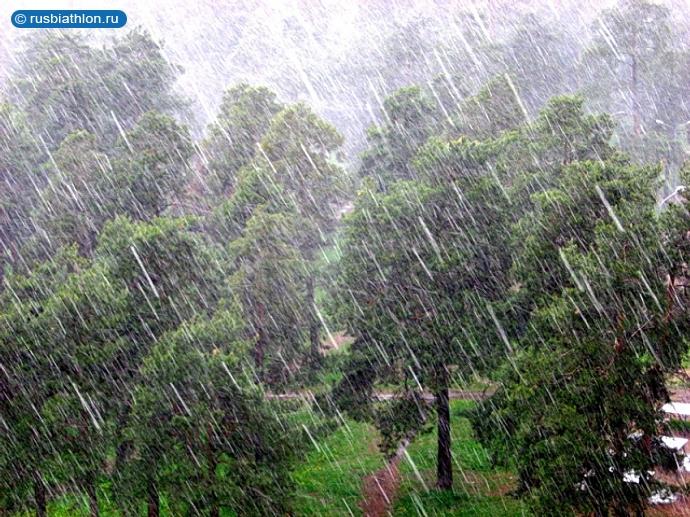 В Кургане после дождей повредилась несущая стена