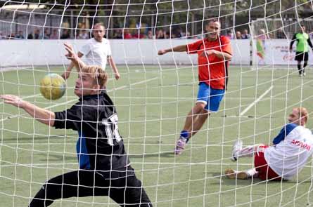 В городе Кургане проходит турнир по дворовому футболу