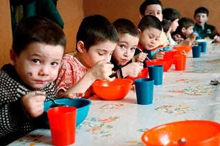 Количество детей-  сирот в Курганской области уменьшилось