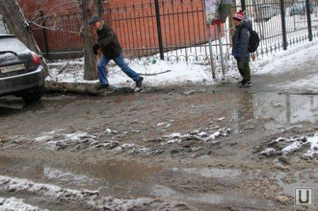 Коммунальщики Кургана в шоке от снега