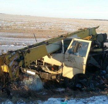 В Кетовском районе в аварии погибли водитель и пассажир