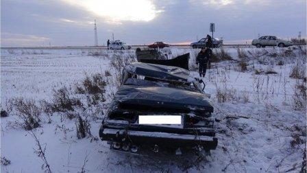 В ДТП на трассе в Курганской области разбились автомобили ЛАДА и