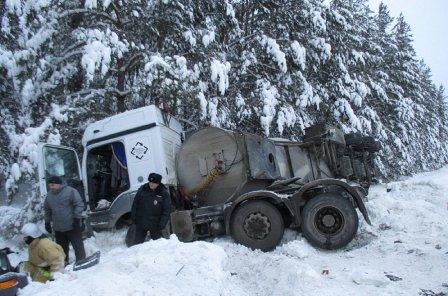 В Мишкинском районе ДТП с  жертвами- двое взрослых погибли, ребенок – в больнице