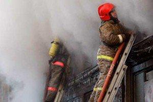 Из горящего здания в Шадринске Курганской области эвакуировали 70 человек