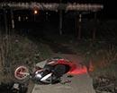 1 мая в трех автоавариях травмы получили четыре зауральских подростка. Двое из них в Макушинском районе. Там 16-летний юноша, без водительских прав сел за руль мокика и опрокинулся. В результате подросток и 13-летняя пассажирка получили травмы лица и голо
