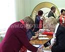 Коммунистическая партия Росийской федерации организует народный референдум. Его проведут в рамках подготовки к выборам депутатов Госдумы, которые состоятся 18 сентября. Цель референдума - познакомить избирателей с предвыборной программой партии. Выйти в н