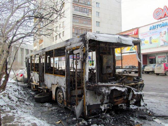 В городе Кургане произошло возгорание пассажирского автобуса